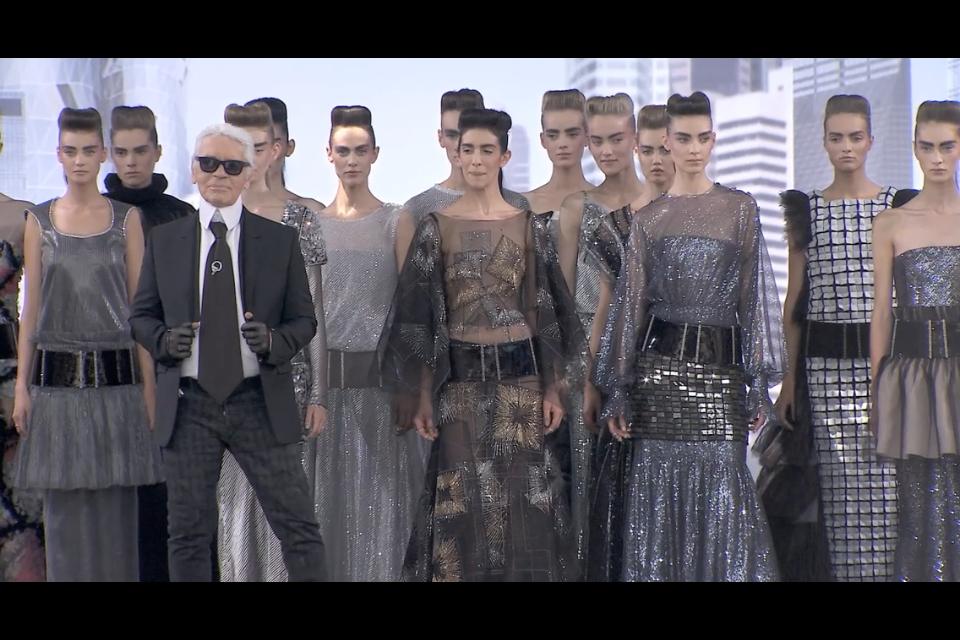 CHANEL FASHION:まさに手の中でファッションショー!!すべてが最高の美しさ。