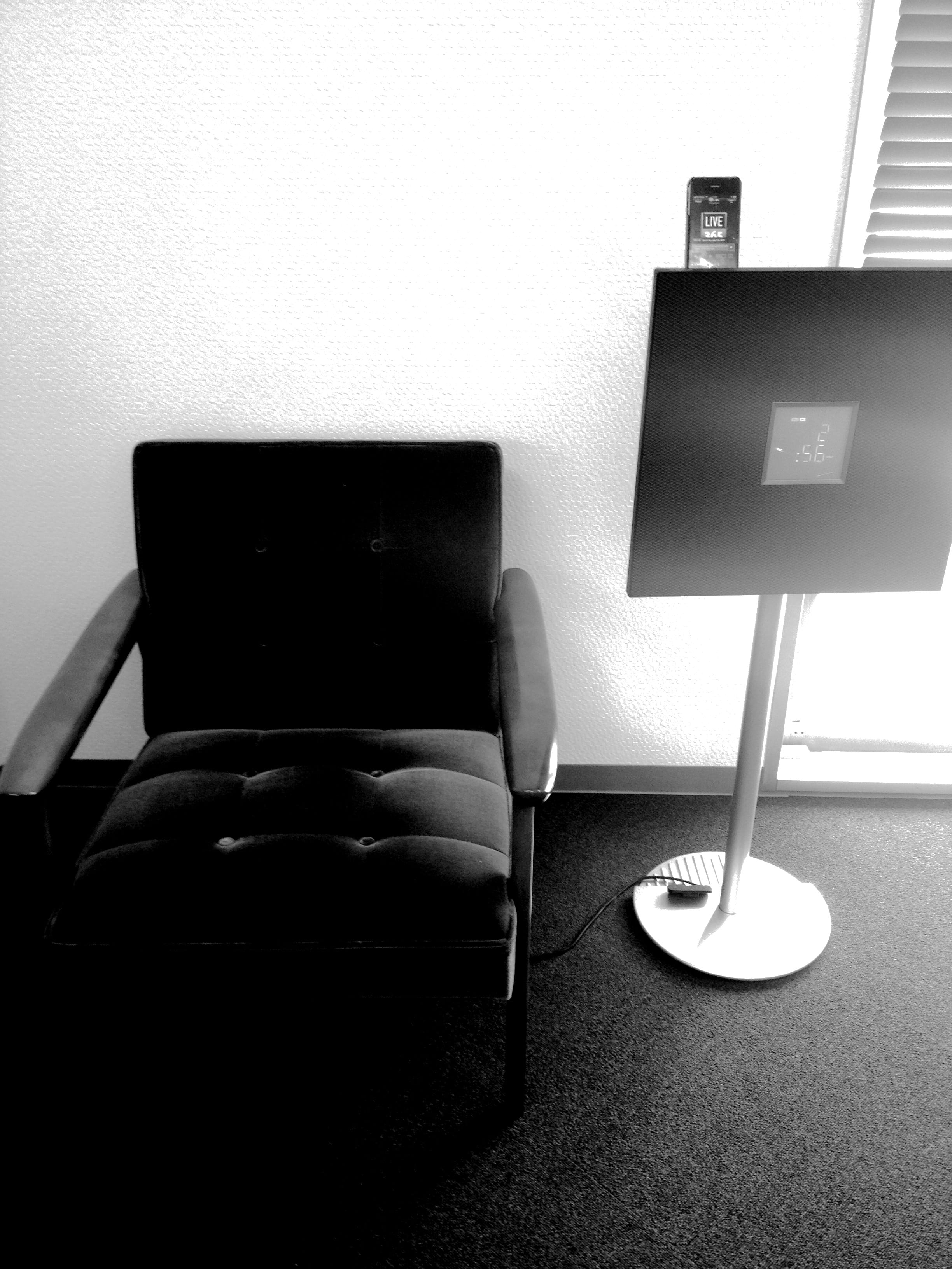 Spica – Super Monochrome:超ハイコントラストで、おしゃれ写真。モノクロ好きにはたまりません!!