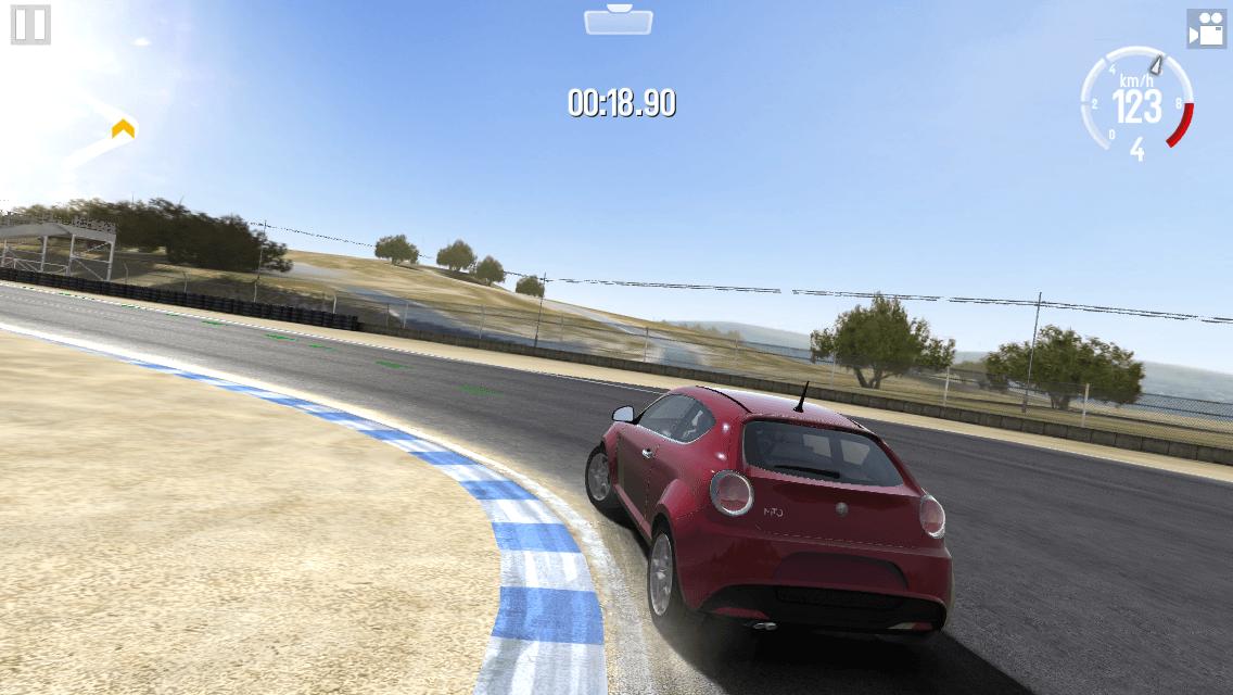 人気カーレーシングのiPhoneアプリ「GTレーシング2」遊び方_09