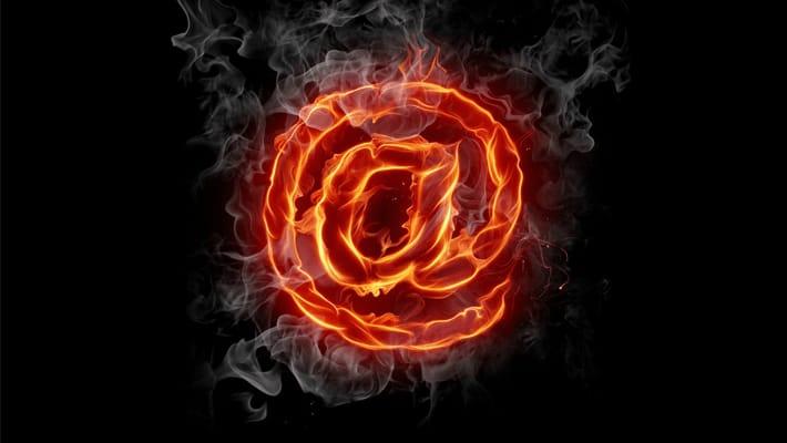 iPhoneでメールやメッセージを転送する方法