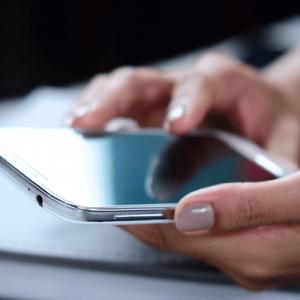 iPhone「モバイルデータ通信」通信量の確認や節約方法など