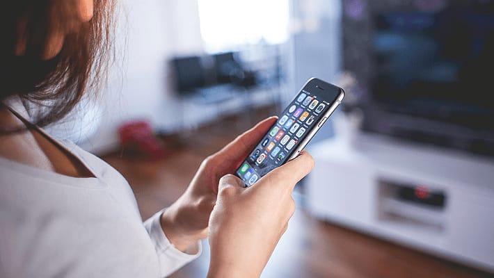 メールの末尾に挿入される「iPhoneから送信」を削除する方法
