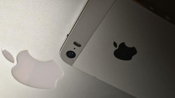 iPhoneの電池がすぐ切れる原因と対処法