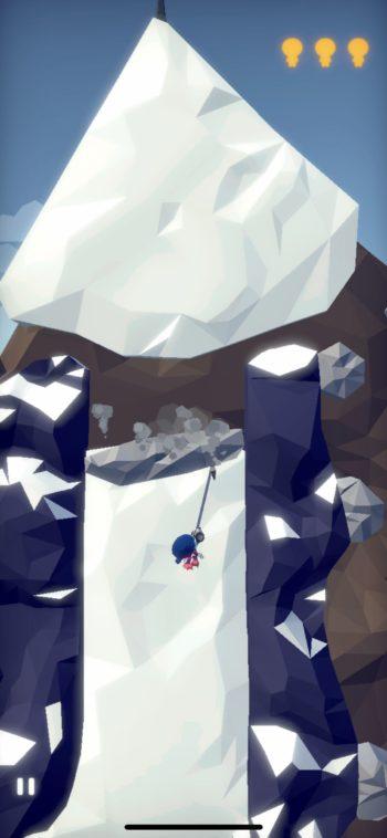 岩にフックが引っかかりました!しかし岩が落下し始める…!